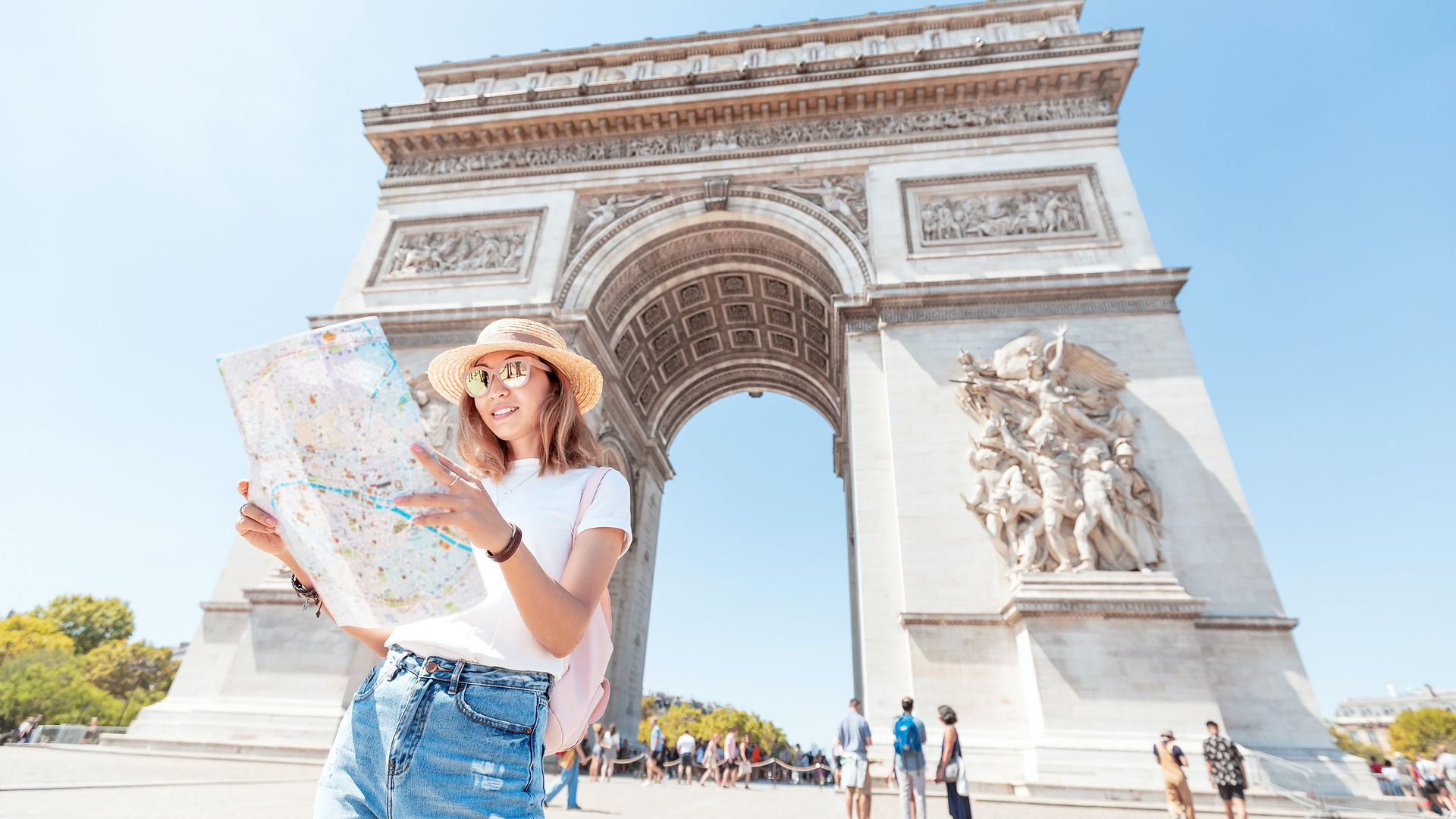 Discovering Arc de Triomphe: Skip-the-Line with Rooftop Access & Audio Tour